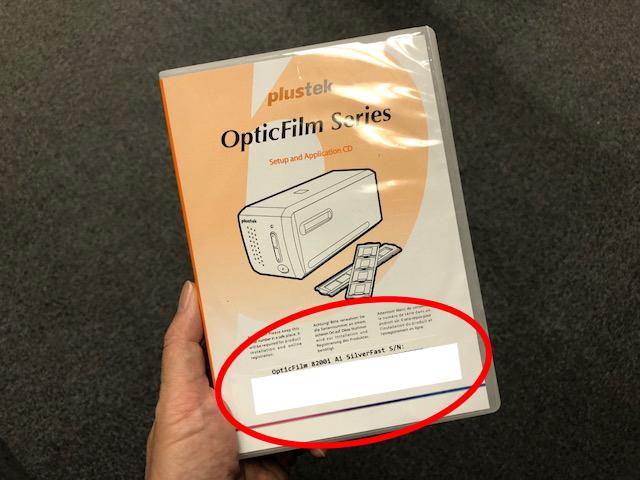 DVD画は言っていたパッケージにラベルが貼られています。